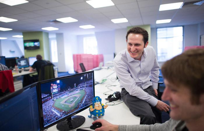 Современные приложения помогают игрокам сориентироваться в мире фэнтези спорта, который вырос и развился в полноценную индустрию.