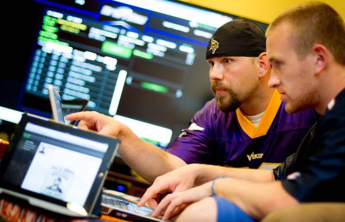 Как эффективно запустить ежедневный фэнтези спорт делятся Yahoo и Amaya, которые уже смогли занять собственную нишу на рынке.
