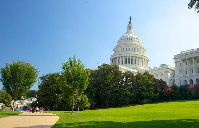 Штат Вашингтон – это одна из пяти юрисдикций, в которых нет операторов ежедневного фэнтези-спорта. Однако недавно здесь было решено провести несколько собраний, чтобы боле тщательно изучить работу индустрии.