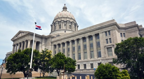 Скотт Фицпатрик (Scott Fitzpatrick) вынес на рассмотрение сессии штата проект об изменениях в Кодексе Миссури и легализации фэнтези-спорта на местном уровне.