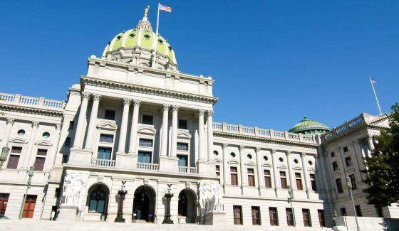 Пенсильвания стала последним штатом, который серьезно занялся вопросами легализации и регулирования индустрии ежедневного фэнтези-спорта. Первый шаг к этому – рассмотрение нового законопроекта в среду 15 июня 2016 года.